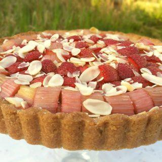 Erdbeer Rhabarber Tarte glutenfrei und vegan