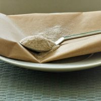 Flohsamenschalen gemahlen helfen beim glutenfreien Backen
