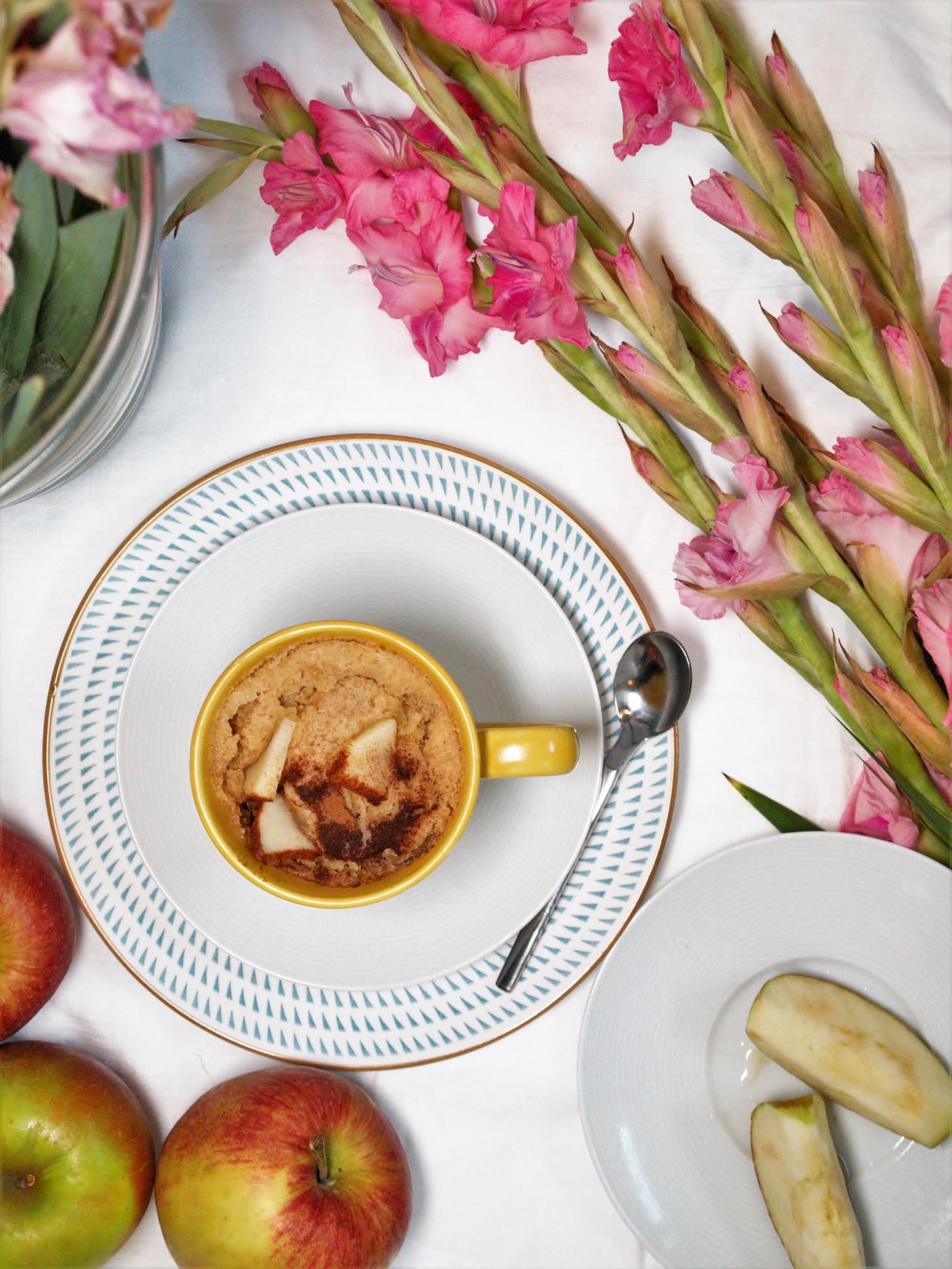 Glutenfreien Apfelkuchen in der Mikrowelle backen, Mikrowellenkuchen