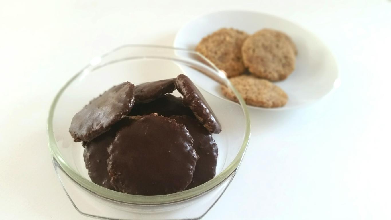 Glutenfreien Lebkuchen vegan mit vielen Nüssen backen