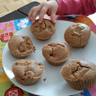 Rharbarber Muffins glutenfrei mit veganem Eischnee