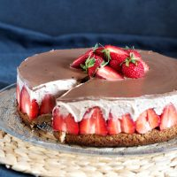 Schoko Erdbeer Sahne glutenfrei mit Mandelboden