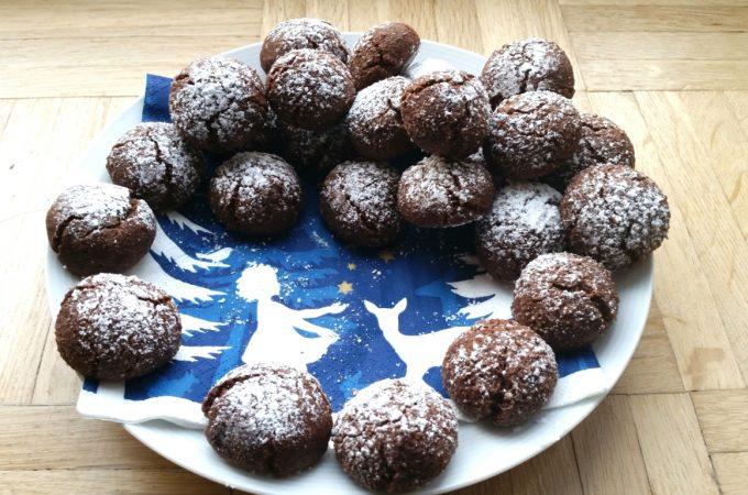 Weiche Schokoladen Amarettini ohne Alkohol, glutenfrei, vegan