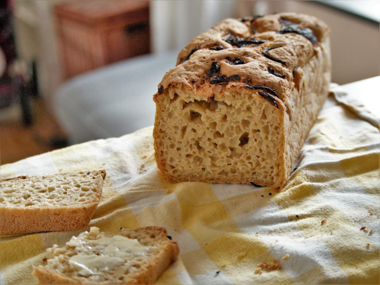 Zwiebelkuchen glutenfrei mit Maismehl backen, vegan1